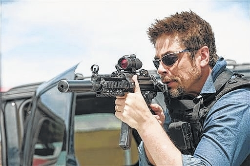 'Sicario' dazzles the eyes but does little else