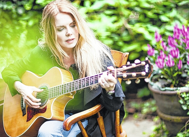 Mary Fahl - Love And Gravity (2013)