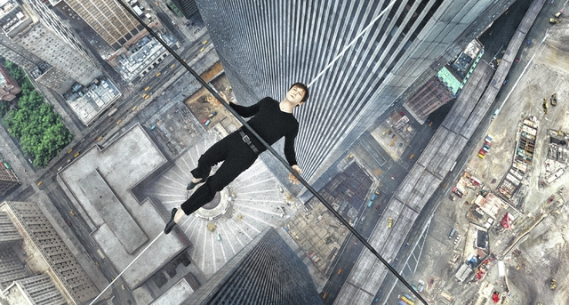 """Highwire scene the only redeeming moment in """"The Walk"""""""