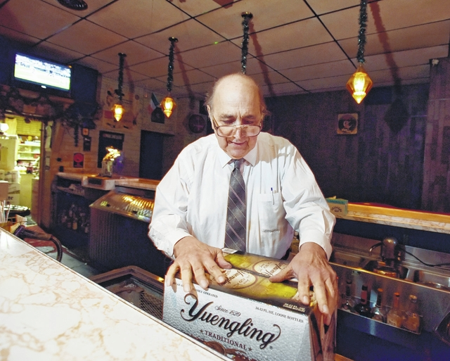After tending bar in Wilkes-Barre for 53 years, Donahue's owner Joe Philistine ready to cut himself off