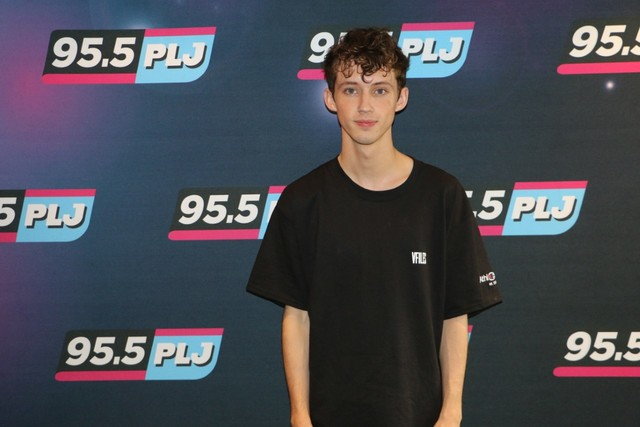 Ralphie Report: Troye Sivan prepares for tour, puts song writing on hold