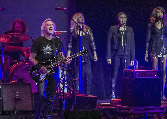 Joe Walsh fills Kirby Center with blazing guitar work, hits from the '70s