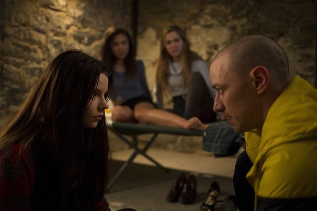 Movie Review: 'Split' brings Shyamalan out of film-making funk