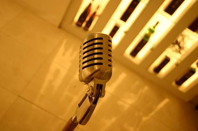 Listings: Trivia, karaoke and other bar games